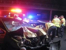Fallece al chocar su vehículo contra un camión de recogida de basuras