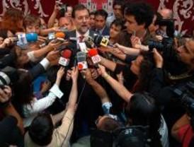 Rajoy cambia de plan tras hablar con Aguirre y asistirá al acto del Bicentenario