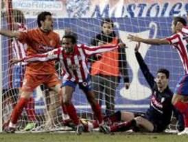 La pegada del Atlético resuelve ante el Sporting un partido incómodo