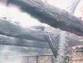Un bombero herido y 6.000 metros cuadrados de naves destrídos en un incendio