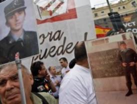 Un millar de personas arremeten contra el TC por permitir que Bildu esté presente el 22-M