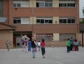 Los directores de los colegios públicos cobrarán una media de 327 euros más