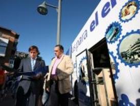 Un autobús recorre Alcobendas para ofrecer empleo a los vecinos