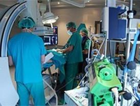 Madrid se compromete a operar en menos de seis meses a los pacientes de cinco especialidades