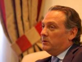 Multan a Prada con 1.900 euros para regresar, tras los incidentes en Sao Paulo