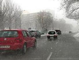 La nieve obliga a usar cadenas en la M-604 y M-611 y en los puertos de Navacerrada y Cotos