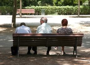 Tres jubilados, en el parque