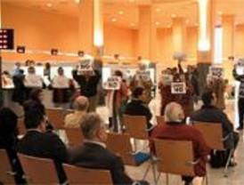 Sonora protesta antiparquímetros en la concejalía de Hacienda