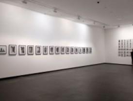 Vídeos y fotos en la muestra 'Punto muerto' de Gregor Schneider