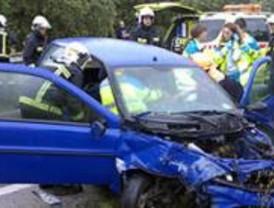 Un herido grave al colisionar su vehículo con otro en Boadilla del Monte