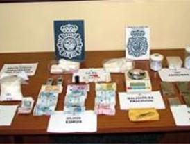 Detenido en Ciudad Lineal con más de 4 kilos de cocaína y hachís