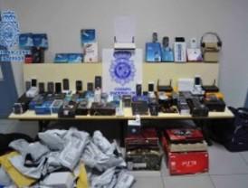 Dos vigilantes detenidos por robar en su empresa