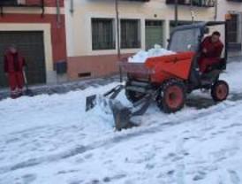 La intensa nevada obliga a la Unidad Militar de Emergencias a intervenir en 20 municipios