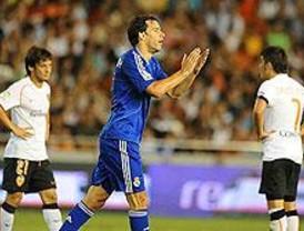 El Madrid perdió por 3 a 2 ante el Valencia en la ida de la Supercopa de España