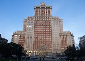 Ayuntamiento y Comunidad ven viable dejar en pie solo las fachadas del edificio España