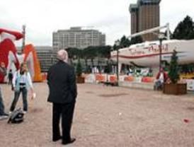 Un globo, un barco y una exposición para dar a conocer Madrid