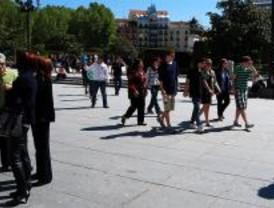 Crecen los turistas pese a la crisis mientras bajan los precios hoteleros