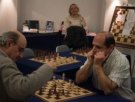 Ajedrecistas ciegos compiten en el Palacio de Cibeles