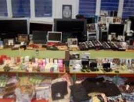 Desarticulada una red de venta de objetos con tarjetas falsificadas o robadas