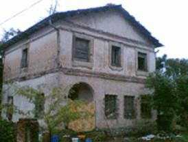 Se derrumba una casa habitada por indigentes en Alcalá