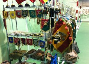 Feria de productos franquistas y de extrema derecha en un colegio público de Quijorna