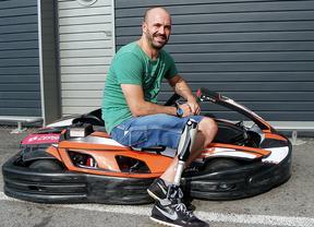 Dos madrileños con discapacidad física participan en las 24 Horas de Karting de Cordoba