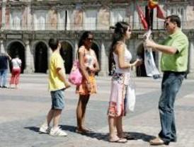 Lapiceros y globos para los niños que visiten la capital en mayo