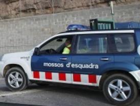 Hallan el cadáver de un hombre y una mujer en una nave de un polígono industrial de Barcelona