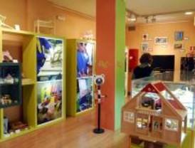 Menores infractores exponen productos elaborados en sus talleres