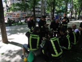 Los bomberos de Madrid acampan para denunciar la situación
