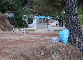 La basura se acumula en el pantano de San Juan