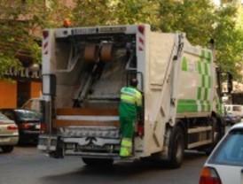 Los sindicatos estiman que el recorte en la recogida de basura es de más del 50%