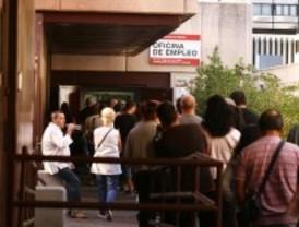 El paro baja en 2.955 personas en Madrid en abril