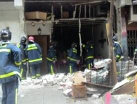 Una explosión de butano destroza la fachada de un restaurante en López de Hoyos