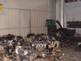 Detenidas cuatro personas que regentaban un desguace ilegal por robar 20 coches