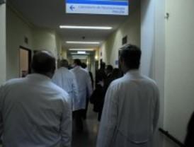 Los médicos residentes desconvocan la huelga del día 26 tras un acuerdo con Sanidad