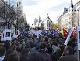 Los funcionarios de Justicia claman en la calle contra la congelación salarial