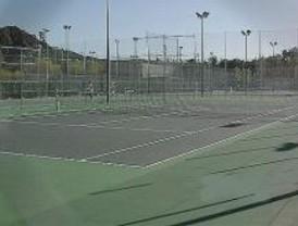 El Ayuntamiento de Alcalá remodela seis pistas de tenis de El Val