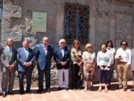Las Rozas homenajea a Marga Gil Roësset con una placa en la sede de la Fundación