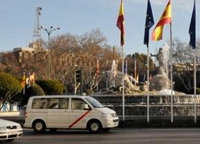 Famma pide a Botella que tome medidas ante el plante de los 'eurotaxistas'