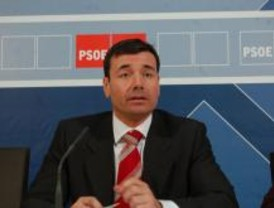 Gómez se ofrece para dialogar con Aguirre