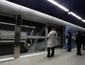 No se colocarán mamparas en todas las estaciones de Metro