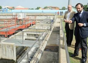 Visita delegado medio ambiente depuradora aguas residuales Diego San Juan Benito