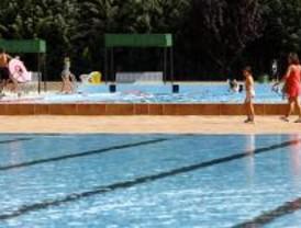 El PSOE de Torrejón denuncia el estado de la piscina de Joaquín Blume