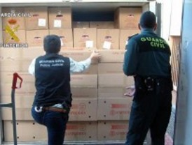 Detenidos cuatro empleados de una granja por robar 300.000 euros en huevos para revenderlos
