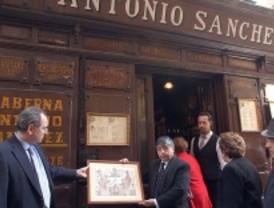 Una treintena de comercios madrileños se incorporan a la Guía de Comercios Centenarios