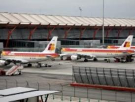 Barajas pierde un 12,2% de vuelos y un 7,3% de pasajeros