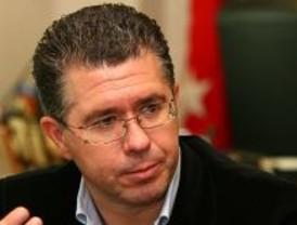 El PP convoca en Génova al alcalde de Villalbilla para pedirle que se baje el sueldo