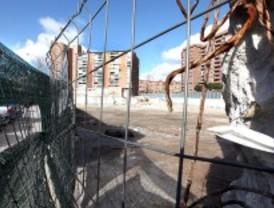Aplazados 'sine die' los pisos de la estación de Conde de Casal