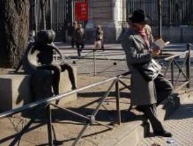 Renfe celebrará el Día del Libro regalando poesía y relatos breves a sus viajeros